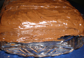 choc.cake_frosted_290_200