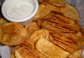 village_tav_chips_290_200