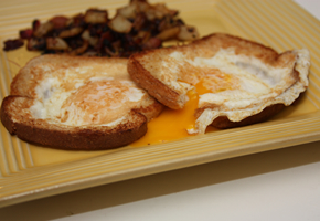 eggtoast_plate_290_200