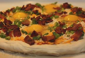 eggpizza_topped_290_200