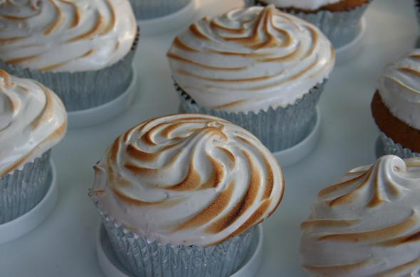 fluff_cupcake_590_390