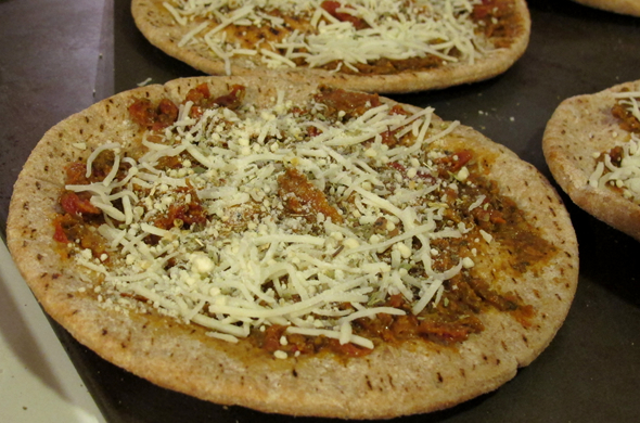 greekpizza_bake_590_390