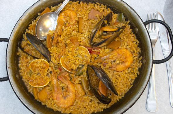 honeymoon_barc_paella_590_390