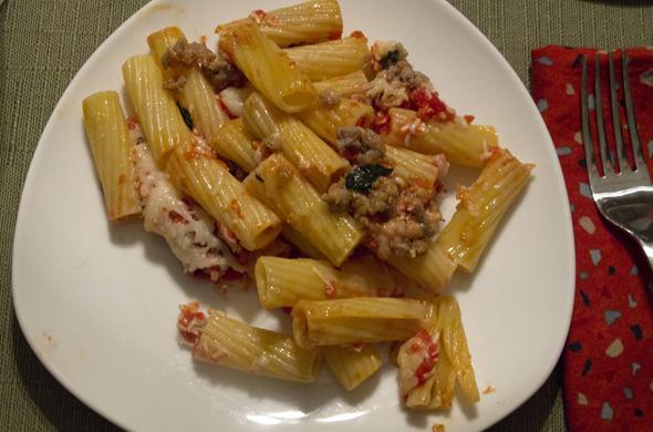 pasta_pie_pasta_plate_590_390