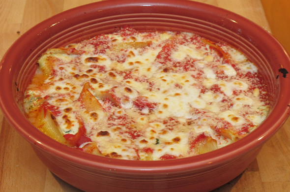 stuffed_shells_baked_590_390