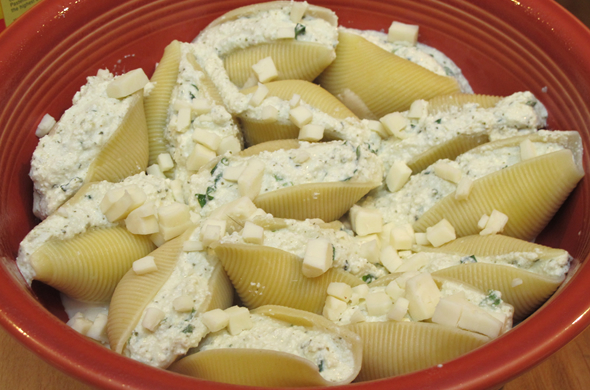stuffed_shells_mozz_590_390