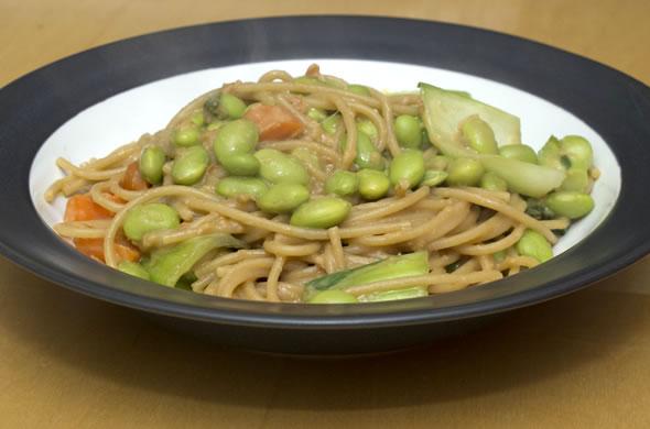 peanut_noodle_plate_590_390