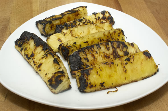 pineapple_salsa_grilled_590_390