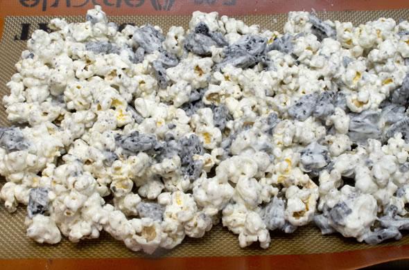 oreo popcorn baked