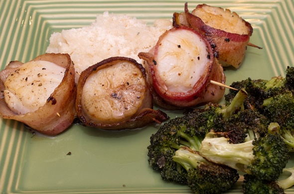 bacon_scallops_plate_590_390