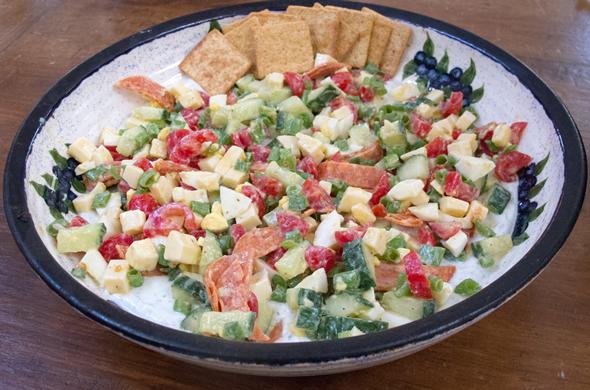 cobb_salad_platter_590_390