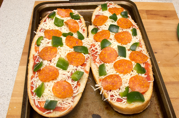 french_bread_pizza_topping_590_390