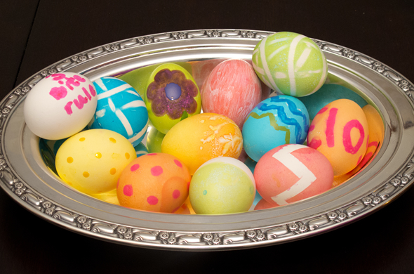 dying_eggs_bowl_590_390