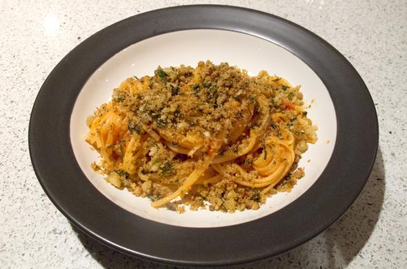 breadcrumb pasta_widebowl_590_390