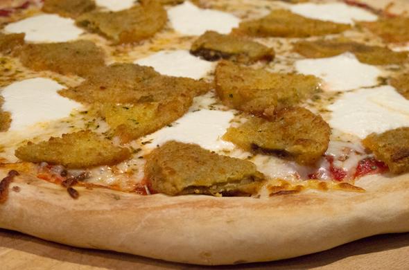 eggplant_pizza_baked_590_390