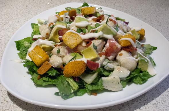 blt_salad_plate_590_390
