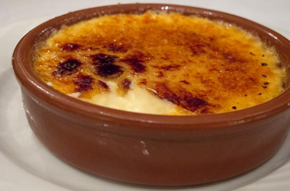 paris_dinner2_creme_590_390
