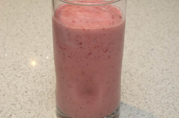 Strawberry Rhubarb Smoothie - The Three Bite Rule