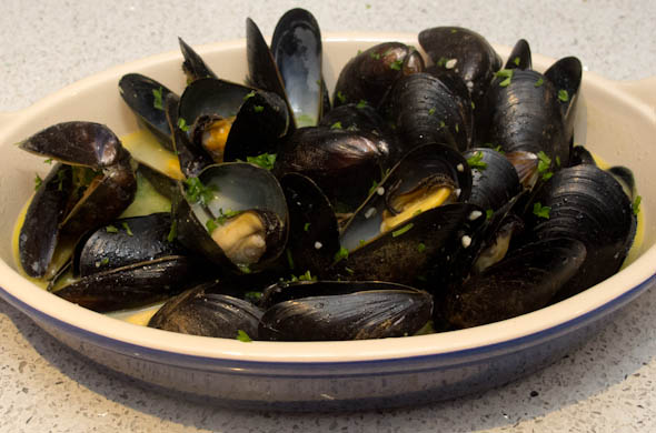 Garlic Mussels - The Three Bite Rule