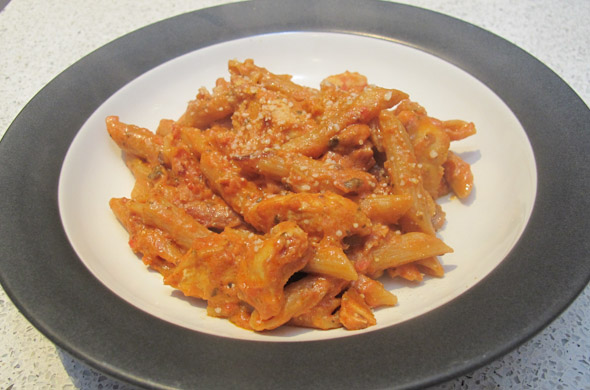 The Three Bite Rule - Sundried Tomato Pasta with Chicken