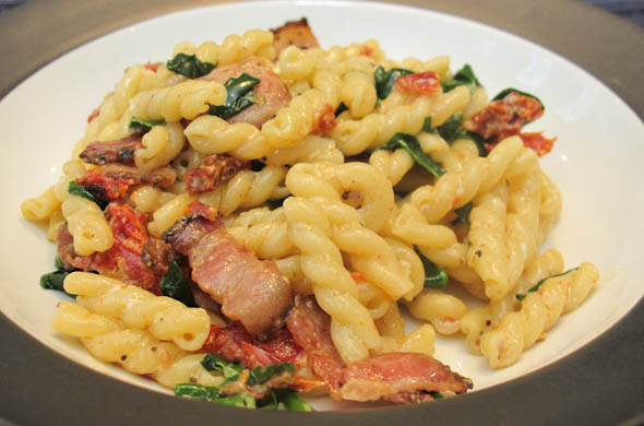 BLT Pasta - The Three Bite Rule