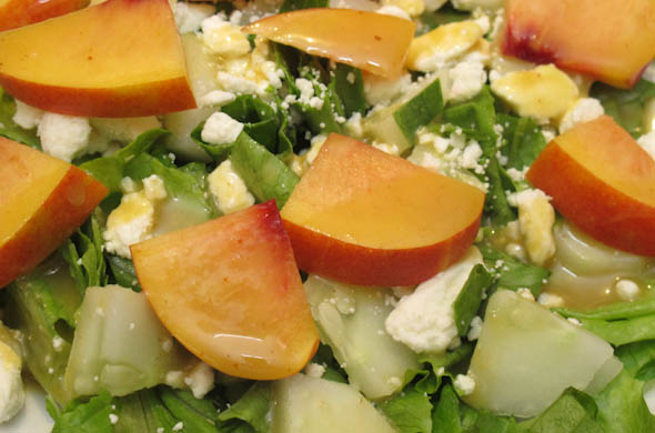 nectarine_feta_close_590_390