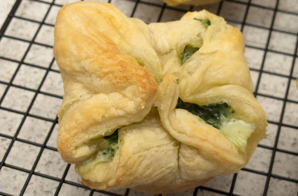 The Three Bite Rule - Puff Pastry Cups with Eggs and Spinach