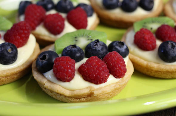 The Three Bite Rule - Mini Fruit Tarts